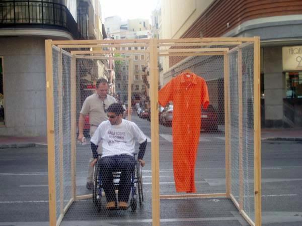 Entrando en la jaula