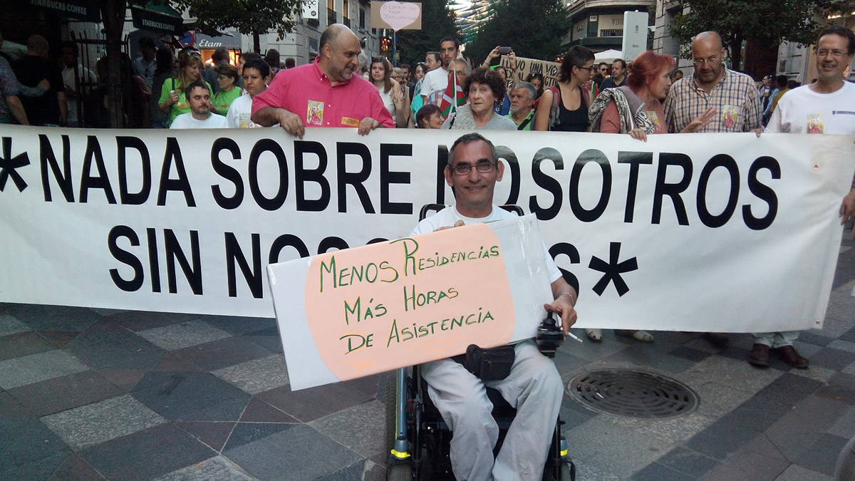 """Pancarta """"Nada Sobre Nosotros Sin Nosotros"""""""