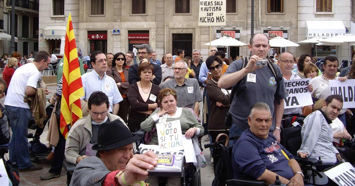 Miembros de VICOVAL durante una acción reivindicativa
