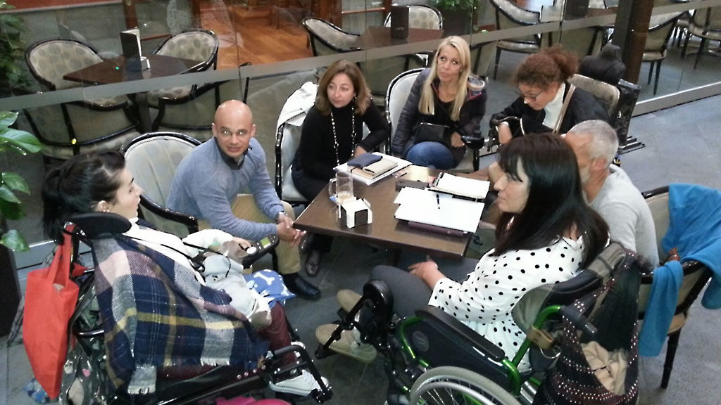 Miembros de OVI Cacarias en una reunión